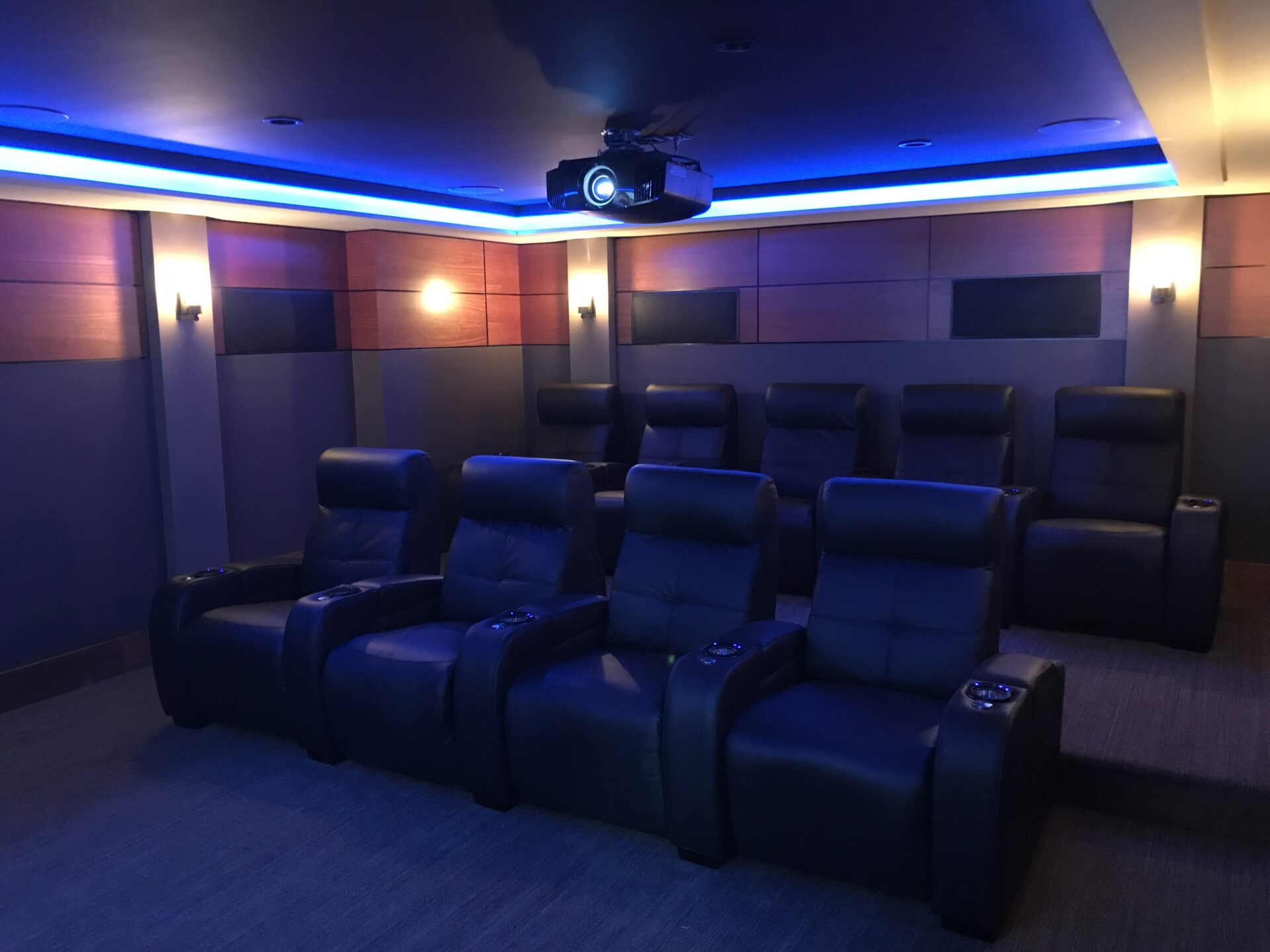 Custom Theater 2016